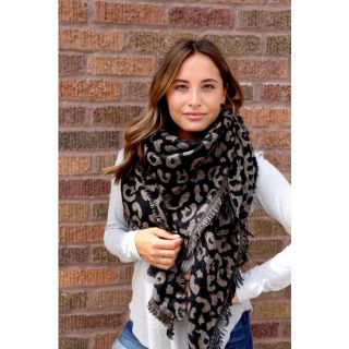 BLACK AND GRAY ANIMAL PRINT TRIANGLE  BLANKET SCARF
